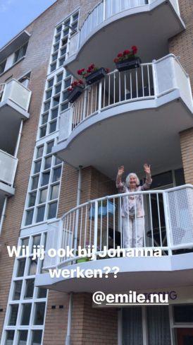 Johanna op het balkon